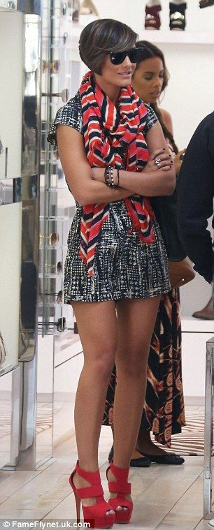 Frankie Sandford. Patterns & Red Sandals. Love the mix  prints and color cordination