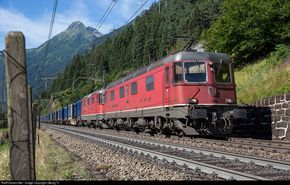 """Re 6/6 # 11629 """"Interlaken with a Re 4/4 in multiple (called a """"Re 10/10"""") with train 43028 from Chiasso to Wanne-Eickel/Germany on the Gotthard north ramp between Pfaffensprung and Gurtnellen near Häggrigen."""