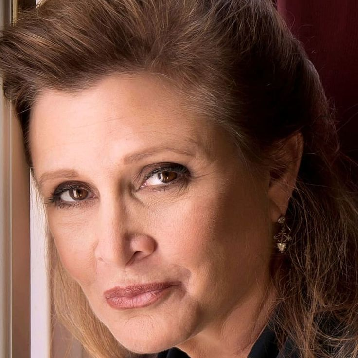 Beuty #starwars #carrie #theforcebewithyou #carrieFisher #blaster #rebeleion #rebeld #leia #edit #amazing #princess #warrior #actress #carrie_fisher_in_our_hearts #draw #sweet #daughter #mom #love #lovely #cute #RIP #die #memory