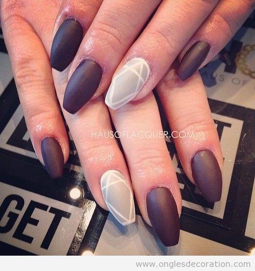 ongles mat violet et beige ongles pinterest violets and ongles. Black Bedroom Furniture Sets. Home Design Ideas
