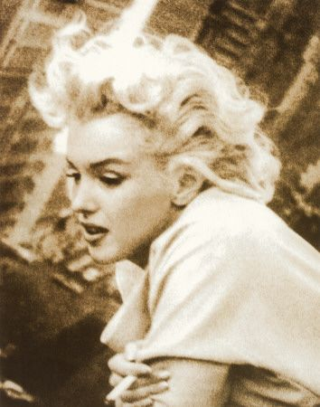 This is one of my all time favorite pictures of Marilyn
