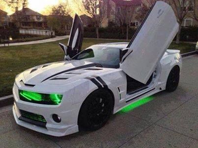 I love the green glow under the car and in front of the car! POWERFULLY JUMP START YOUR VEHICLE!!! Click http://www.amazon.com/gp/product/B00RZ1TKYE The best way to fund #DSD these goodies?? just a bit more #ebay cash!!! http://www.EliteEarning.info/RAF