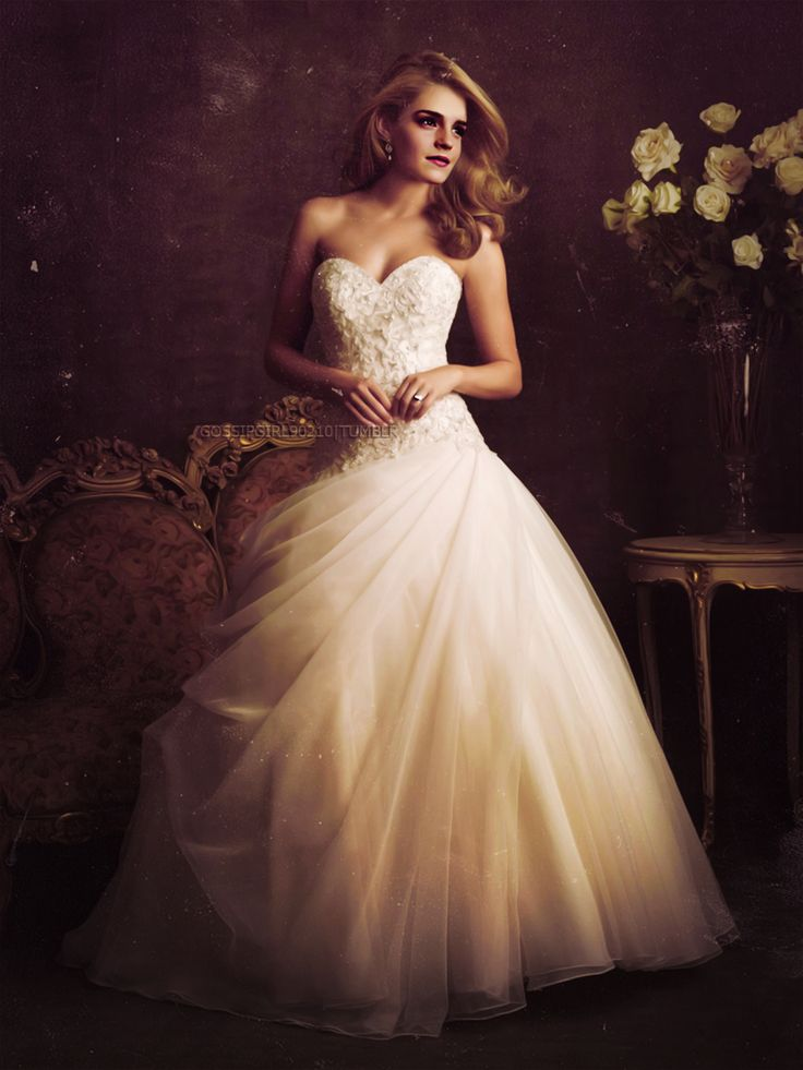 Hermione necklace wedding dress