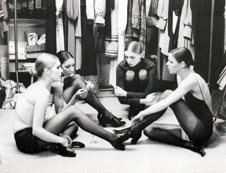 https://flic.kr/p/8Xfb3m | Muir models | Models backstage at a Jean Muir show in 1970. Including Joanna Lumley.