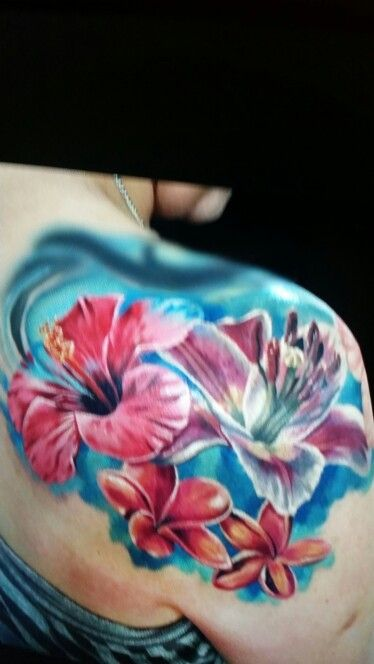 9ebc84f119604 Hibiscus Tattoo, Blues n Reds | Hibiscus Colored Tattoos | Hibiscus ...