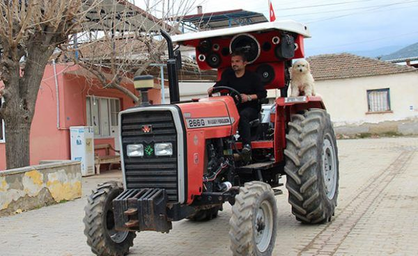 Turkish Farmer Spends $2,000 on Custom Sound System for His Tractor - WhenMurat Karlıoğlu rolls into town in his tractor, his neighbors can literally hear him coming from a mile away. The 30-year-old farmer has spent over 7,000 Turkish lira on a custom sound system for his …