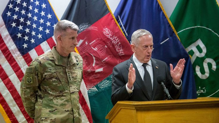 US-Verteidigungsminister James Mattis ist überraschend nach Afghanistan geflogen. Erst vor zwei Wochen warf das US-Militär dort mit der sogenannten Mutter aller Bomben die größte nicht-nukleare Bombe ab, die je eingesetzt wurde. Das Ergebnis dieses Abwurfs konnte bisher nicht unabhängig überprüft werden. US-Militär schirmt den Einschlagsort bis heute ab.