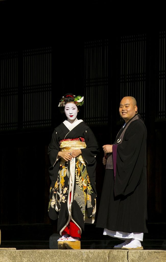 The maiko Eriha also wearing the sakkou hairstyle! How beautiful she is! (Source)