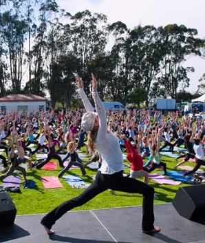 Wanderlust Yoga in the City Series Kicks Off
