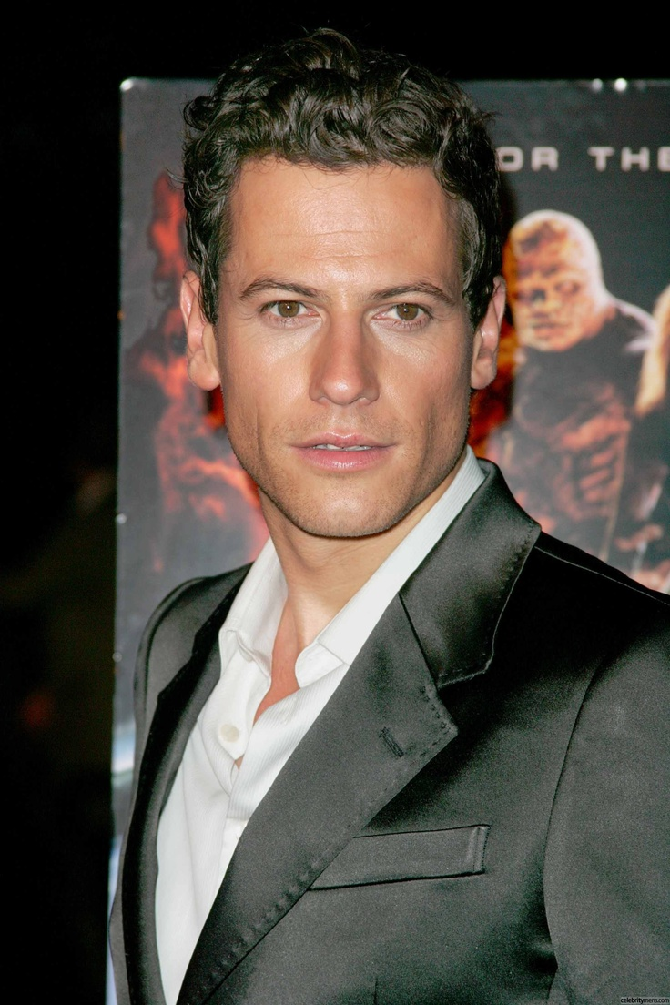 Ioan Gruffudd...how do you pronounce his name? Who cares!
