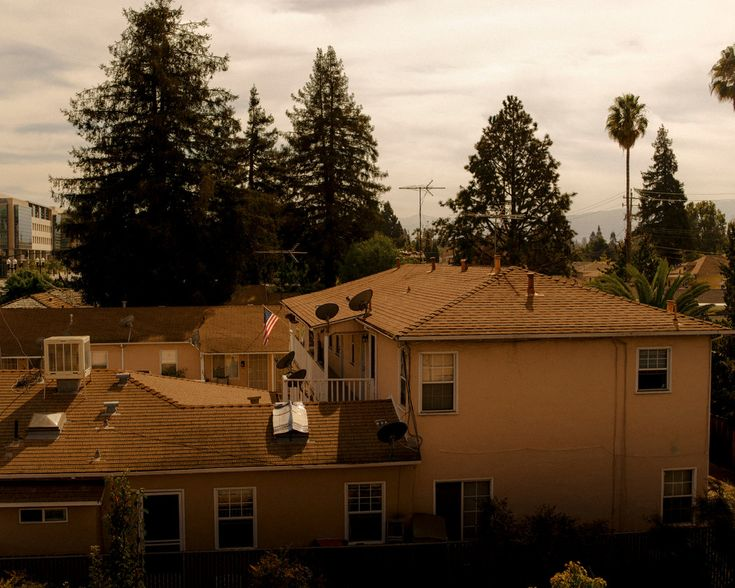 Teslas in the Trailer Park: A California City Faces Its Housing Squeeze - The New York Times