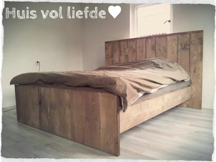 Bed van steigerhout www.huisvolliefde.nl