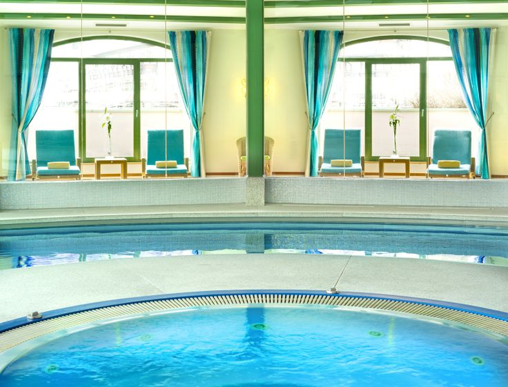 GRAND PARK HOTEL HEALTH & SPA The 89 room and suite Grand Park Hotel is the leading luxury hotel and spa in Austria's Gastein or 'Health Valley', and situated at the foot of the HoheTauern National Park, 50 minutes from Salzburg