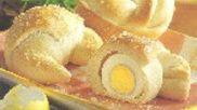Hoe kun je paasbroodjes bakken gevuld met een hardgekookt ei? #Pasen