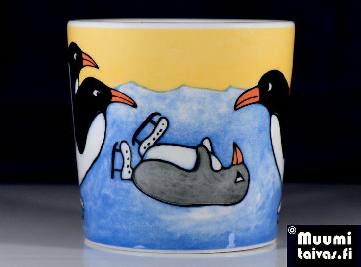 Arabia penguin mug Whoops! (Hupsista!). Designer: Heljä Liukko-Sundström. Year: 2000. Type: Arabia Teema, 0,3 l.