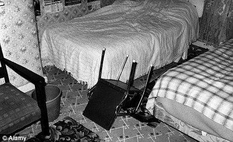 Enfield Poltergeist: The amazing story of the 11-year-old North London girl who 'levitated' above her bed | Mail Online