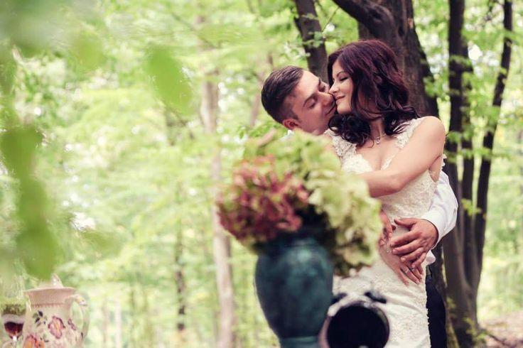 Momente de iubire in padurea conacului!