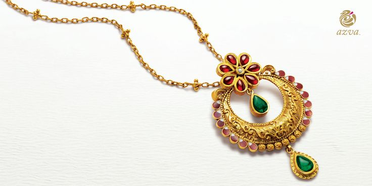 This 22k #Azva necklace, with floral detailing , is that small extraordinary piece which adds the extra spark to any look! #WeddingVows #BridalGold