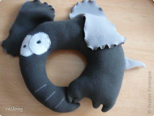 Здравствуйте, мои подружки))) Сегодня будем шить вот такого слоняу для автомобильных путешествий. фото 1