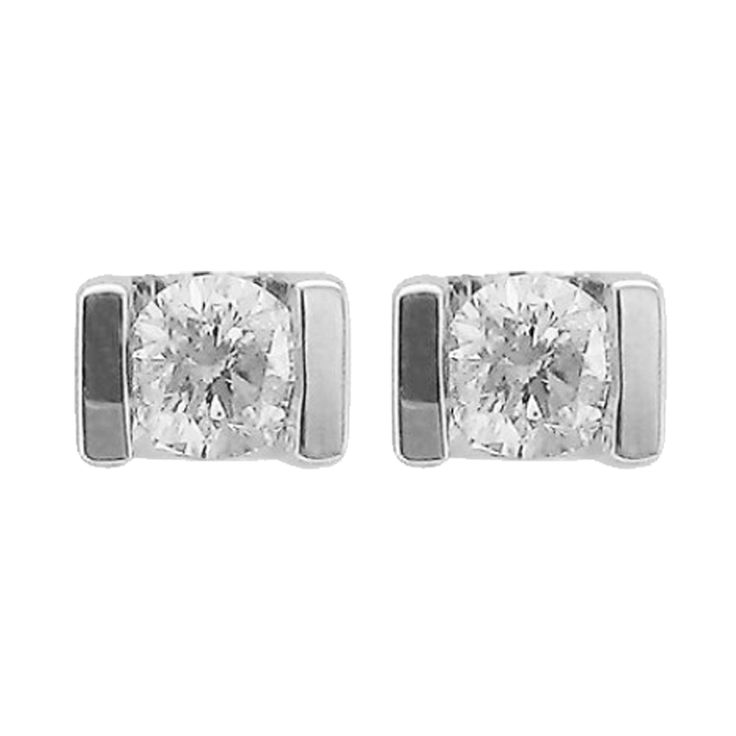 Say yes to studs. #DiamondStuds #StudEarrings #Diamonds #Earrings #Jewellery #Jewelry #Accessories #Fashion #Datenight