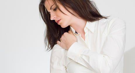 Monatelang Schmerzen in mehreren Körperregionen? Ursache kann eine Fibromyalgie sein. Mehr zu Symptomen, Diagnose und Therapie des Fibromyalgiesyndroms (FMS)