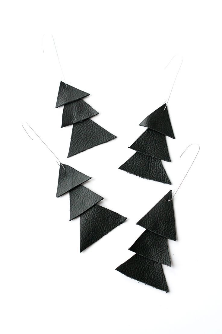 Scandinavian Inspired Christmas Tree Ornaments - I'm going to make these as earrings! (with innertubes or scraps)