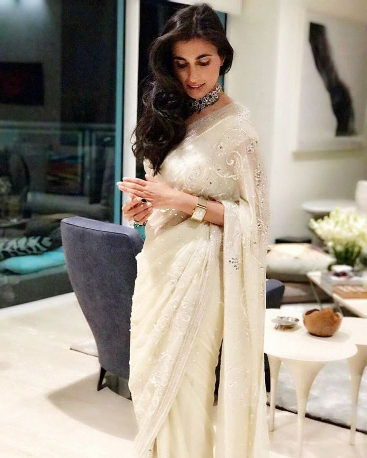 Creme de la Creme! Prerna Goel in Abu Jani Sandeep Khosla.  #abujanisandeepkhosla #abusandeep #abujani #sandeepkhosla #fashion #designers #stunning #gorgeous #creation #beautiful #pretty #amazing #indianwear #sari #traditional #white #designerwear #fashion #designs