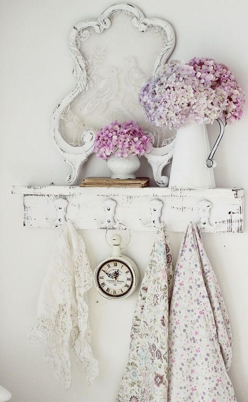 Shabby Chic. Stretch lace in a frame!