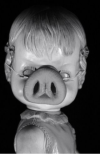 Dolls That Will Keep You Up At Night - Why did I look at this when I work up in the middle of the night?