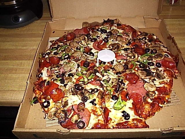 Round table pizza redmond wa pizza pinterest for Table a pizza