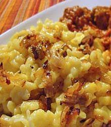 German Cheese Spaetzle http://www.quick-german-recipes.com/cheese-spaetzle.html a 'mac & cheese' recipe, only German!