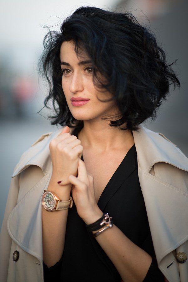 Am Rande der Fashion Week in Istanbul fiel uns die Unternehmerin Elcin Sonakin mit ihrem wunderschönen Curly Bob, neudeutsch…