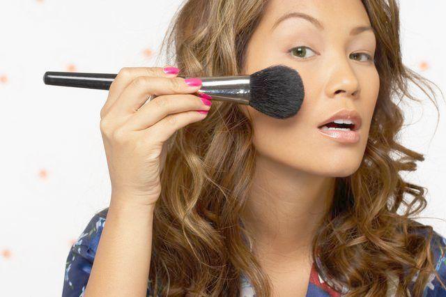 Makeup Tutorial Kapuzenaugen definieren und verbergen außer Makeup Revolution … – # ausser #d …   – Makeup Tutorial  Over 40
