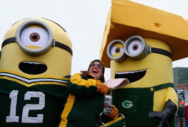 Hey @GeorgeBThomas is this you and me at the @Packers Game today? ;-)