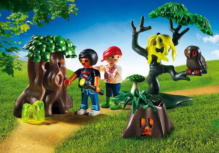 Watch out for spooky trees and ghosts on your Playmobil Night Walk! Shine the included UV flashlight on the crystals to watch the trees glow in the night. Set includes two figures, tree stump, tree, and other accessories. Flashlight requires 1 x AAA battery. Recommended for ages four years and up