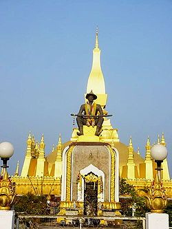 Vientián -Templo Pha That Luang en Vientián, Laos.
