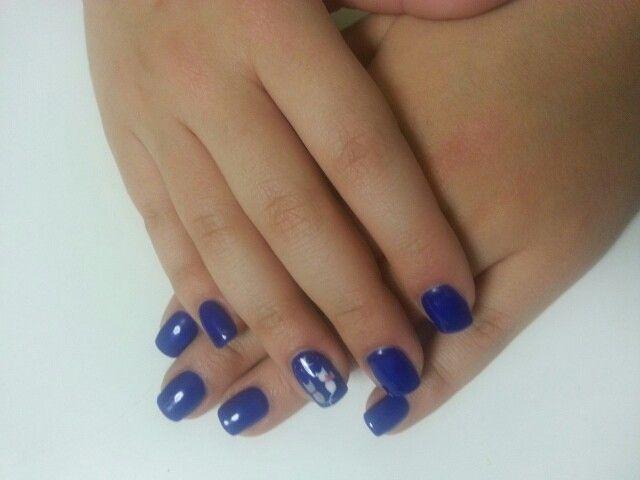 Νύχια Αγγελικά : Γατούλες - φεγγαράκι σε καλοκαιρινό μπλε.