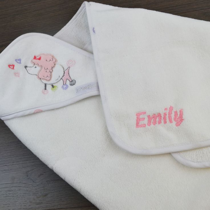 Gift Society   Bébé Caniche Velour Hooded Towel