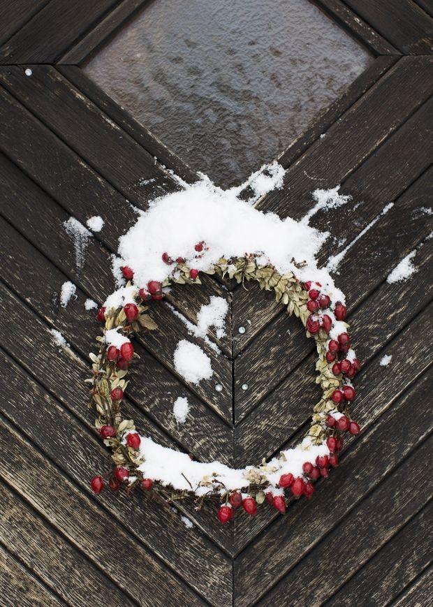 Et magisk julehjem med hjemmelavet pynt   Mad & Bolig