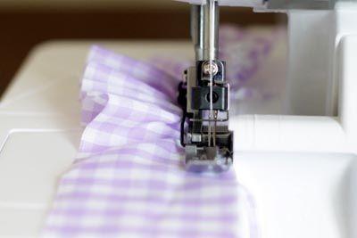 Sewing Basics: Ruffling + Easing with a Serger « Sew,Mama,Sew! Blog