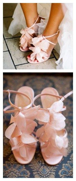 Such a delicate and pretty pair of flower heels! These heels in the next day is marked down to $33.94! Need another pair for your closet?