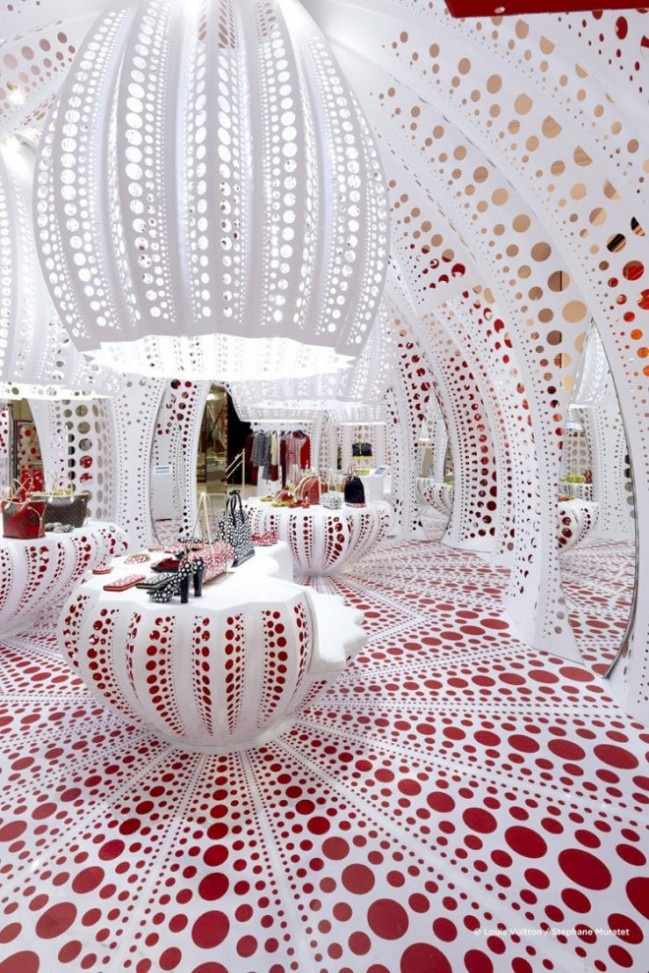LOUIS VUITTON - YAYOI KUSAMA's pop up store for Selfridges London is explicitly derived from Kuam