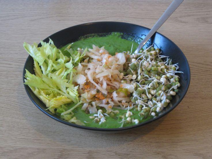 Pinaattikeitto   Živá strava, raw food, raakaruoka