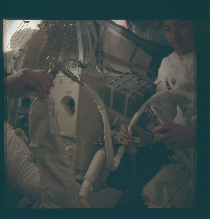 https://flic.kr/p/yx2DaR | AS13-62-9005 | Apollo 13 Hasselblad image from film magazine 62/JJ - Onboard