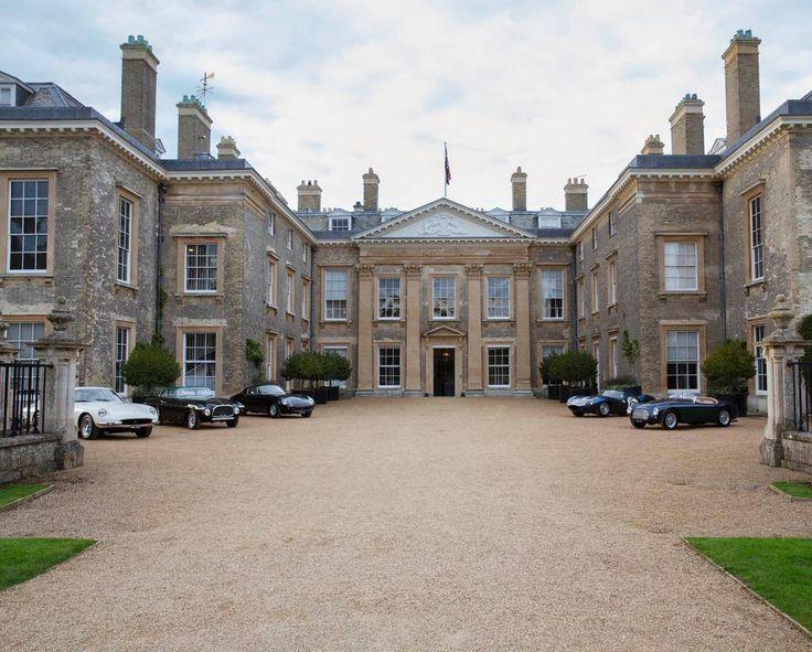 Superbe décor : Althorp House, située dans le Northamptonshire, en Angleterre, est le lieu du tournage de la nouvelle campagne Purple Label.