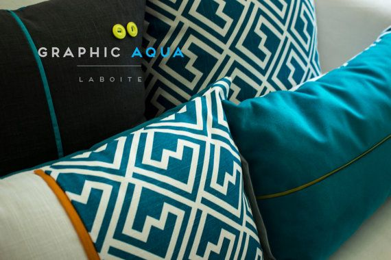 Collection Graphic Aqua – Housses de coussins aux motifs graphiques en lin et coton– Couleurs accents turquoise, bleu, orangé, vert et jaune