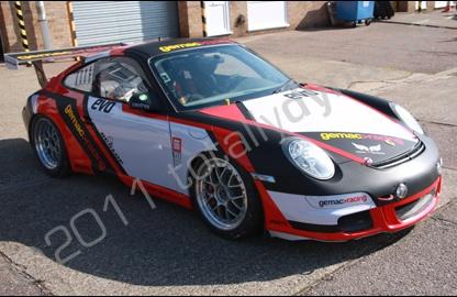 nice color design car wrap | vehicle graphic | Porsche 997 race car | Totaly Dynamic