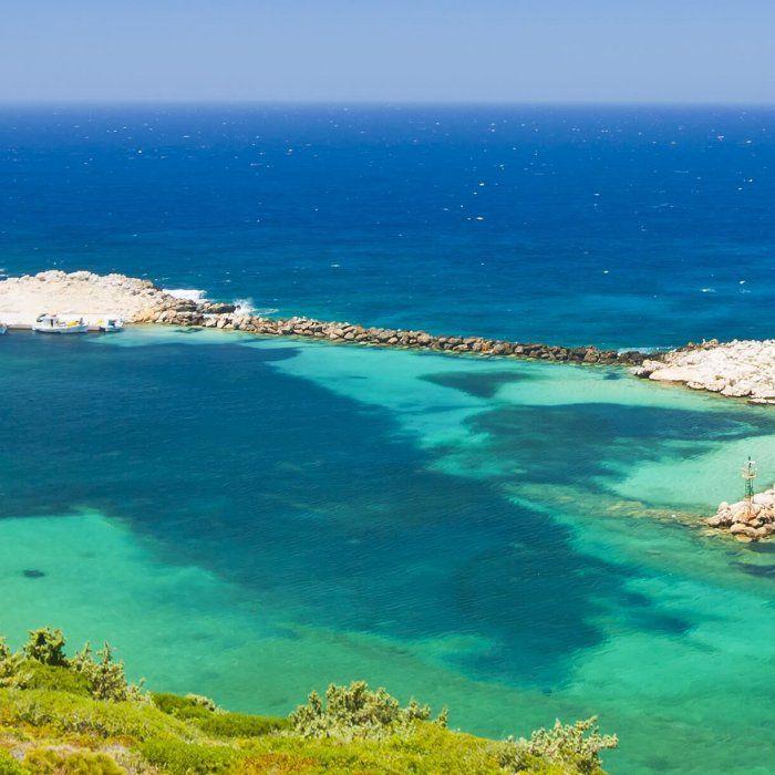 Eine Aussicht wie aus dem Bilderbuch erwartet dich im Sommer auf der griechischen Insel Kos. Du wohnst direkt am Strand, …
