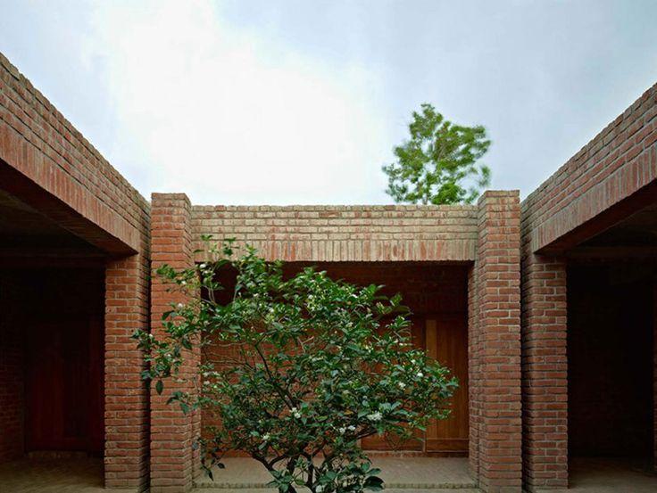Friendship Centre in Gaibandha / Kashef Mahboob Chowdhury