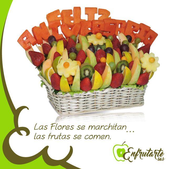 """Y en #Marzo, el mes de las #Mujeres, expresa todo tus sentimientos desde fondo de tu corazón, con este espectacular #arreglofrutal """"EXPRÉSALO"""", elaborado con melón, piña, uchuvas, uvas, fresas, kiwi y lechoza. ¡Dulzura para regalar!  www.enfrutarte.com  ¡Aprovecha nuestras promociones!:  * 10% de descuento en todos sus productos. * Servicio a domicilio GRATIS, si tu compra es mayor a $60.000 (área metropolitana de #Cúcuta). #8deMarzo #DíadelaMujer #amor #cariño #celebración"""
